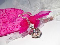 Sautoir bola de grossesse cage avec boule musicale rose clair : Collier par mademoiselle-topaze-bijoux
