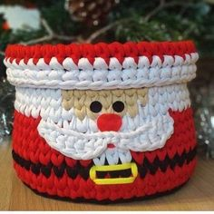 Buy Cake from Kinder gift for a child… – # Ca… – Happy Chri … – Knitting Ideas Crochet Christmas Decorations, Christmas Crochet Patterns, Holiday Crochet, Crochet Santa, Crochet Gifts, Crochet Toys, Easy Crochet, Homemade Christmas Gifts, Christmas Toys