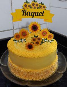 Sunflower Cakes, Sunflower Party, Sunflower Baby Showers, Cake Decorating Frosting, Cake Decorating Videos, Sunflower Birthday Parties, Gold Birthday Cake, Sweet 16 Parties, Cake Smash