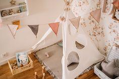 Stwórz dziecku przytulny kącik do zabawy i odpoczynku. Lniany namiot pięknie się prezentuje zarówno w pokoju dziecka jak i salonie.  Wygodna mięciutka mata do zabawy i poduszki stworzą ciepły klimat. Toddler Bed, Baby, Furniture, Design, Home Decor, Child Bed, Babies, Interior Design, Infant