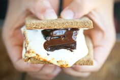 Grain Free Smores? With homemade, healthy marshmallows? YES PLEASE!