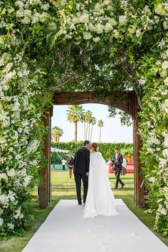 This Palm Springs Wedding Is Fit for a Slim Aarons Portrait