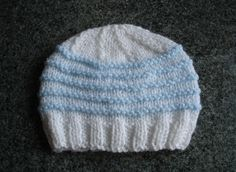 Newborn Knitted Baby Boy Hats @ mariannaslazydaisydays - *patterns