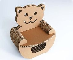 Cardboard Furniture Cardboard is a great utilitarian material: sustainable, versatile, sturdy, lightweight… and it's esay to carry around. Here are two examples of cardboard furniture for kids: Snail. Cardboard Chair, Cardboard Paper, Cardboard Crafts, Paper Toys, Diy Paper, Cardboard Playhouse, Paper Furniture, Kids Furniture, Diy Cardboard Furniture