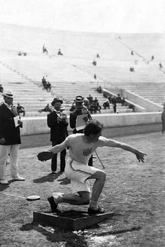1906 Summer Olympics The 1906 Summer Olympics, also called the 1906 Intercalated Games, were held in Athens, Greece. These games are not awarded the title of Olympiad because they were held between the III and IV Olympiads. Athens Acropolis, Athens Greece, Old Photos, Vintage Photos, Greece History, Summer Olympics, Greeks, Documentary Photography, Back In Time