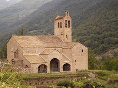 Iglesia de San Miguel. Linás de Broto, Huesca.
