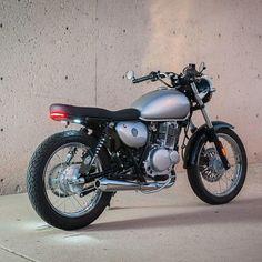 499 отметок «Нравится», 5 комментариев — Excuse My Bike (@excusemybike) в Instagram: «TU250 kit by @brogue_motorcycles ・・・ For sale! 2013 suzuki tu250x less than 1k miles, link in…»