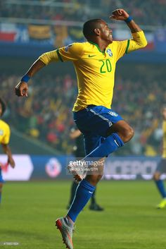 Robinho of Brazil celebrates after scoring the opening goal during the 2015 Copa America Chile quarter final match between Brazil and Paraguay at Ester Roa Rebolledo Stadium on June 27, 2015 in Concepcion, Chile.