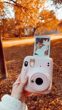 Polaroid Camera Instax, Instax Mini Ideas, Camara Fujifilm, Cute Camera, Polaroid Pictures, Fujifilm Instax Mini, Board, Photos, Instagram