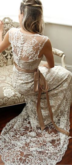 myviewfromsomewhere:  (via Pin by Andrea Avery on Lace and Textiles | Pinterest)