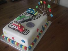 This was the cake I made after all that pinning of Chuggington Cakes!