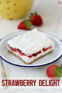 Strawberry Delight - Fresh strawberries, cream cheese, and a shortbread crust make this dessert one to remember! Easy Desserts, Delicious Desserts, Dessert Recipes, Yummy Food, Yummy Yummy, Dessert Ideas, Strawberry Delight, Strawberry Desserts, Strawberry Bars