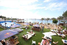 3 heures de boissons à volonté dans un incroyable Beach Club d'Ibiza !