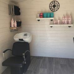 Shiplap in washing room Small Beauty Salon Ideas, Small Salon Designs, Small Hair Salon, Home Beauty Salon, Home Hair Salons, Hair Salon Interior, Design Salon, Beauty Salon Decor, Salon Interior Design