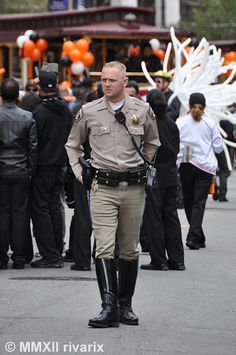 California Highway Patrol wearing mag pouches like a boss.