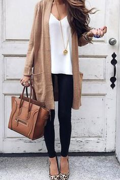 Street Chic Long Cardigan Source by oliviagracewisk Related Posts:Summer Outfit Ideas with a Long Striped Cardigan…Summer casual outfit idea with long striped…Street fashion street style autumn-winter Bella! A Lesson in Street Chic Straight From…Lulus Street Chic, Street Mall, Street Wear, Paris Street, Look Blazer, Mode Outfits, Gym Outfits, Travel Outfits, Workout Outfits