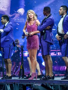 Shake it Off Long Live Taylor Swift, Taylor Swift Concert, Taylor Swift Pictures, Swift Tour, The 1989 World Tour, 1989 Tour, Amy Lee, Shake It Off, Lady And Gentlemen