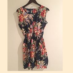 {25% off Sale} Floral Boho Sleeveless Dress ✨Floral Boho Sleeveless Dress✨ GlamVault Dresses Midi
