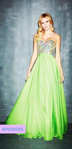 green prom dress #prom #dress #fashion