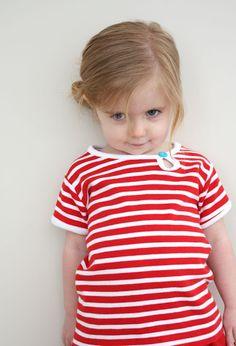 Aleitung Kindershirt mit Ovalem kleinem Loch am Halsausschnitt