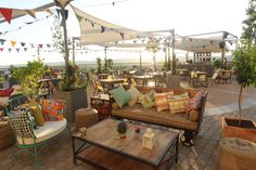 Terraza Boho Chic in las Rozas Village - Inspiration for Restaurant in Middle East by SI Architects