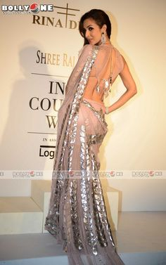 Malaika Arora Khan for Rina Dhaka at Indian Couture Week (July) 2014 Pakistani Dresses, Indian Dresses, Indian Outfits, Lehenga Choli, Anarkali, Net Saree, Indian Bridal Fashion, Stylish Sarees, Elegant Saree