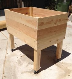 Living Green Planters – Portable Elevated Planter Box – Design Three | Living Green Planters