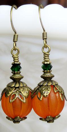 Halloween Beads, Halloween Jewelry, Halloween 2020, Halloween Earrings Diy, Halloween Items, Christmas Earrings, Halloween Accessories, Halloween Decorations, Fall Jewelry