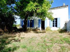 Maison de 137 m² avec du potentiel avec un terrain d'environ 3354 m². 17150 Saint-Martial-de-Mirambeau