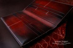 Velká prkenice peněženka pásnká kůže na zakázku česká výroba Handmade Leather Wallet, Leather Card Wallet, Leather Gifts, Leather Craft, Best Wallet, Long Wallet, Leather Jeans, Leather And Lace, Handmade Wallets