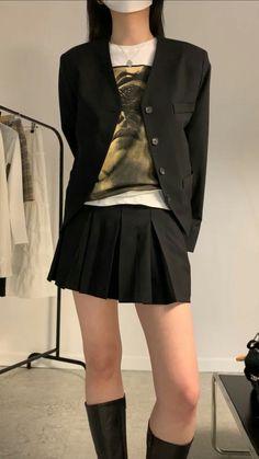 90s Fashion, Korean Fashion, Fashion Outfits, Fashion 2020, Basic Outfits, Cute Casual Outfits, Looks Dark, Fashion Catalogue, Aesthetic Clothes