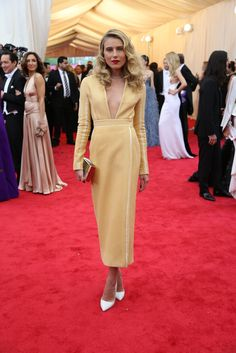 Met Gala Red Carpet Arrivals - Adorably vintage, love the yellow, but it's not right for the Met Gala.
