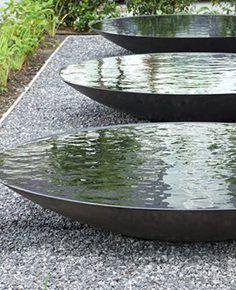 Tight garden inspiration www.- Narrow garden inspiration www.zelftuinontwe … Help for the best of your green area !, Source by susishia - Water Features In The Garden, Garden Features, Low Maintenance Garden Design, Narrow Garden, Pot Jardin, Pinterest Garden, Garden Fountains, Water Garden, Garden Inspiration