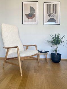 salon rétro moderne noir blanc fauteuil bouclette mid-century Deco Retro, Around The Corner, Decoration, Accent Chairs, Creativity, Furniture, Home Decor, Vintage Decor, Retro Lounge