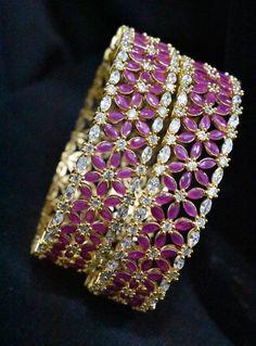 Gold Bangles For Women, Gold Bangles Design, Gold Jewellery Design, Designer Bangles, Bridal Necklace Set, Bridal Bangles, Bridal Jewelry Sets, Ruby Necklace Designs, Fancy Jewellery