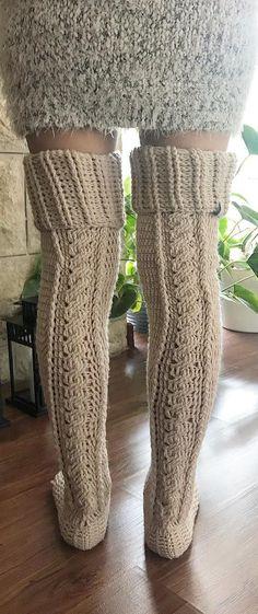 Crochet Socks Slippers Free Pattern Leg Warmers Ideas For 2019 Knitting For Kids, Easy Knitting, Crochet For Kids, Knitting Patterns Free, Easy Crochet, Knitting Socks, Irish Crochet, Free Pattern, Crochet Granny