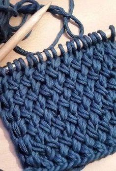 Оригинальный и красивый узор «Плетенка» связанный спицами. Особенностью этого…