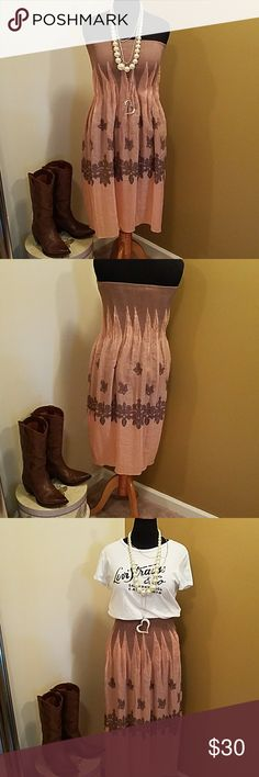 Dress/Skirt Convertible dress or skirt... peach and Brown One size fits all As a dress, it is Midi and as a skirt, maxi Lapis Dresses Midi