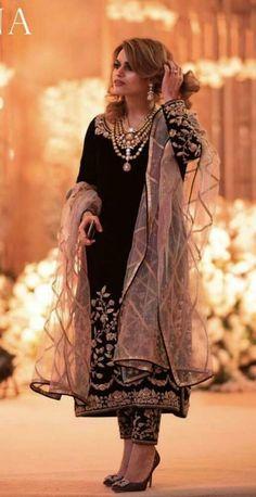 Pakistani Formal Dresses, Pakistani Fashion Party Wear, Pakistani Wedding Outfits, Indian Fashion Dresses, Pakistani Dress Design, Indian Designer Outfits, Bridal Outfits, Wedding Dresses, Fancy Dress Design