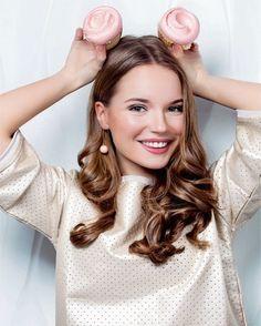 (Fc Sasha Spilberg) Hiiee ma names Constance. I'm 17 and I like to make blogs and such. I love fashion too. Intro?