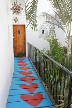 Heart pathway at Petit Hotel d'Hafa / Sayulita, Mexico. Love this- maybe for a deck or exterior stairs? Feng Shui, Outdoor Spaces, Outdoor Living, Nature Architecture, The Design Files, Design Design, Interior Exterior, Oh The Places You'll Go, Versailles