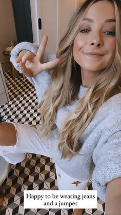 Zoe Sugg, Zoella, Role Models, My Best Friend, Youtubers, Love Her, Celebs, Pure Products, Photo And Video