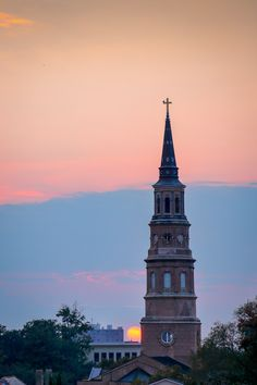 Sunset in the French Quarter, Charleston, SC © Doug Hickok More here… hue and eye