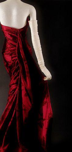 'Lys Noir' evening dress, 1957–58 Dior