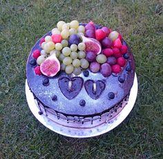 Chocolate wedding cake with fresh fruits by AndyCake Pretty Cakes, Beautiful Cakes, Amazing Cakes, Unique Wedding Cakes, Unique Cakes, Cupcake Cakes, Cupcakes, Art Cakes, Take The Cake