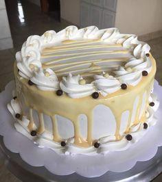 Creamy vanilla cake Order - dm us or call 8955808662 Easy Cake Decorating, Cake Decorating Tutorials, Cake Icing, Buttercream Cake, Sweet Cakes, Cute Cakes, Gorgeous Cakes, Amazing Cakes, Bithday Cake