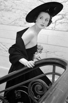 Christian Dior's New Look 1940's - Vintage Dior Fashion Photos