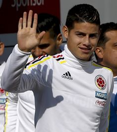 James wearing his national team colors right before a training session in Chile ?12.6.15