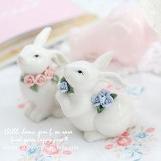Синий розовый цветок керамические маленький кролик домашнего декора ремесла украшения комнаты ремесло фарфоровые фигурки животных свадебные украшения купить на AliExpress