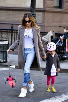 Sweater with jeans on Sarah Jessica Parker.